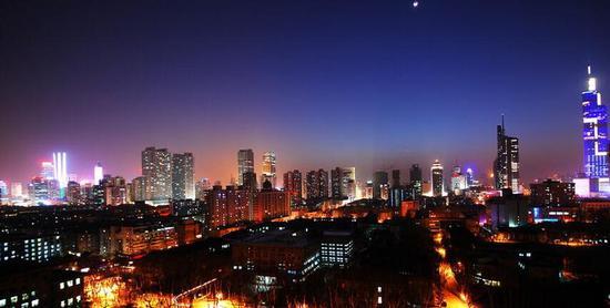 2011城市gdp排名_中国11个城市GDP过万亿谁是下一个?